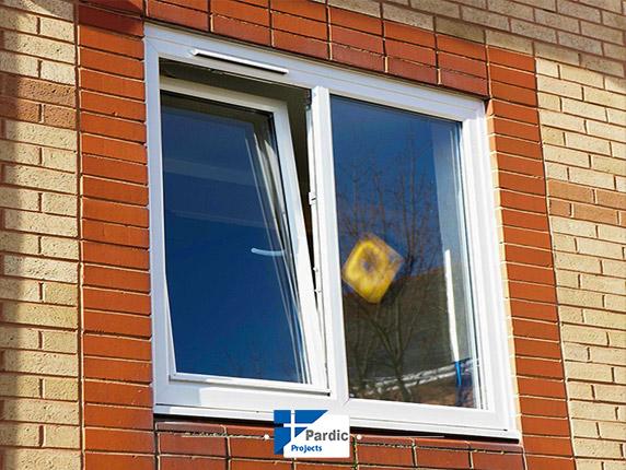 بازشو های دوحالته در و پنجره یوپی وی سی و آلومینیوم